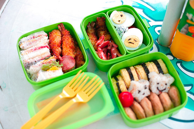 happier healthier lunch boxes